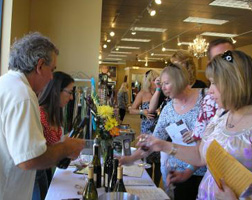 Wineries, restaurants and retailers come togehter for Los Gatos Wine Walk, Septemeber 29.